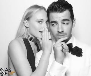 couple, sophie turner, and Joe Jonas image