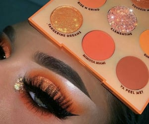 Orange eye makeup ❤