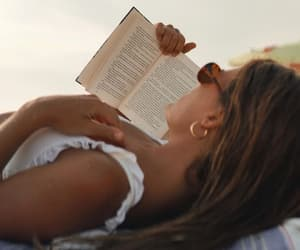 beach reading image