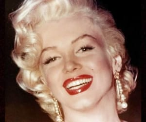 Marilyn Monroe, vintage, and red lips image