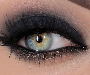 eye, ice, and heterochromia image