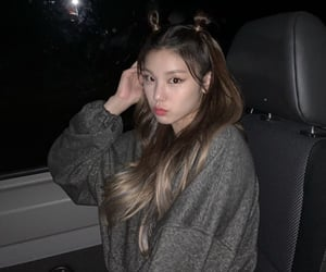 itzy, kpop, and icon image