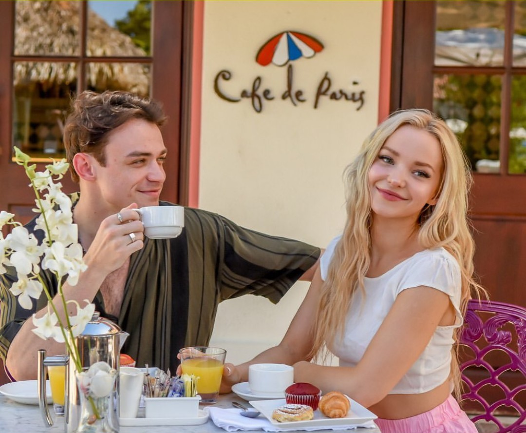 couple and dove cameron image