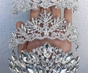 crown, girls, and jewelry image
