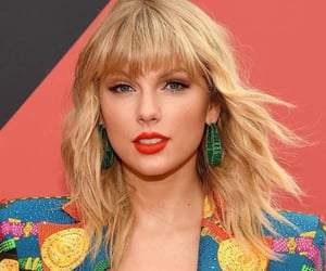 Taylor Swift, vmas, and celebrities image