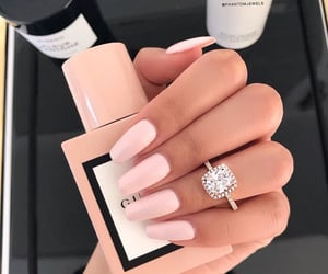 nails, beauty, and gucci image