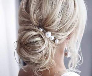 hair, hairstyle, and pearls image