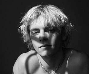 boys, ross lynch, and handsome image