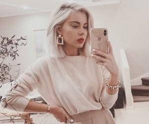 selfie, laura jade, and fashion image