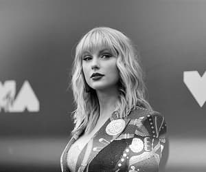 Taylor Swift, vmas, and lover image