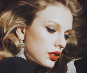 Taylor Swift, 1989, and makeup image