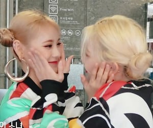 loona, kpop, and jinsoul image
