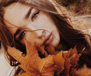 girl, autumn, and aesthetic image