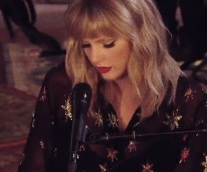 Taylor Swift, lq, and live lounge image