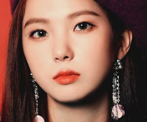 kpop, pretty, and choi yujin image