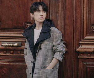 actor, singer, and tfboys image
