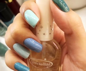 blue nail polish, blue polish, and esmalte image