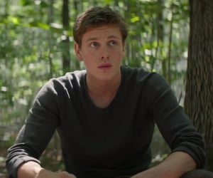actor, movie, and the darkest minds image