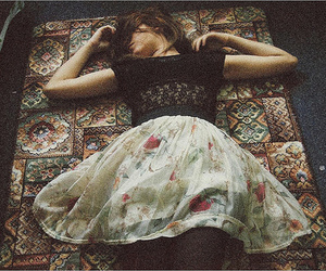 girl, vintage, and skirt image