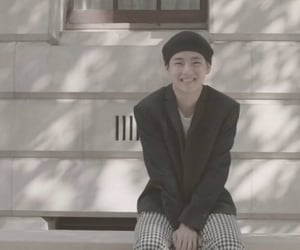 beret, smile, and kpop image
