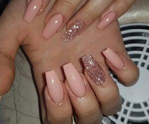 pink nails image