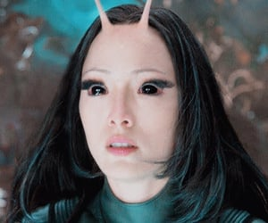 Avengers, mantis, and twitter icon image