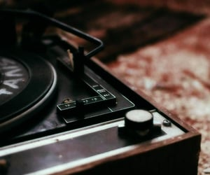 music and vinyl image