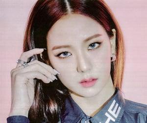 aesthetic, kim jisoo, and fashion image