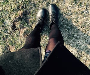 girl, grunge, and legs image