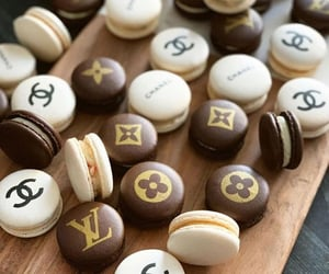 brands, chanel, and dessert image
