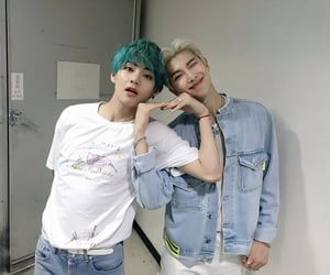 bts, taehyung, and vmon image