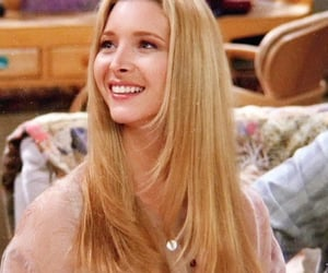 Lisa Kudrow and friends image