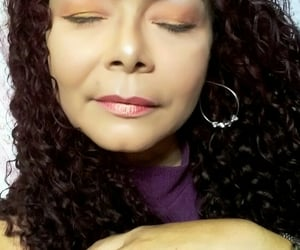 maquiagem, cachos, and sombras image