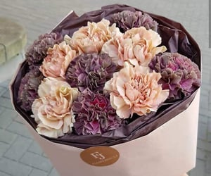 bouquet, creamy, and flowers image