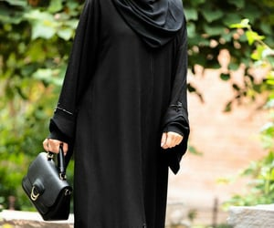 hijab, modest, and muslimahclothing image