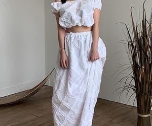 korean fashion, white skirt, and asianfashion image