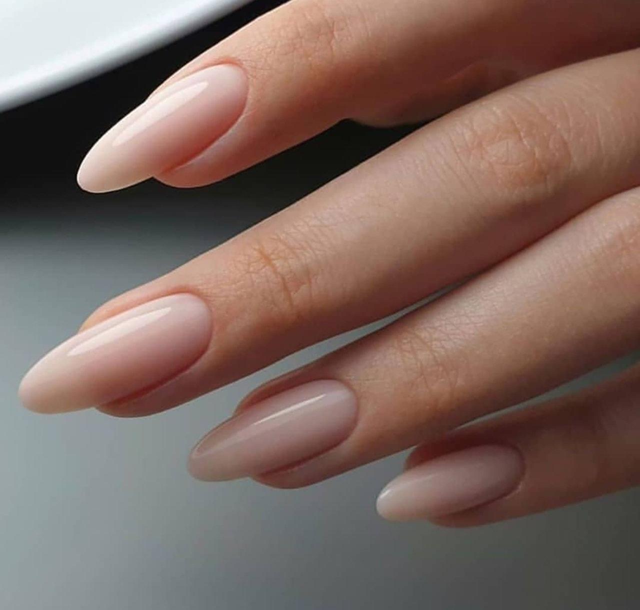 Миндальное наращивание ногтей фото