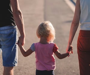 family lawyer, child custody lawyer, and child support image