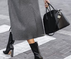 Alexander McQueen, fashion, and womenswear image