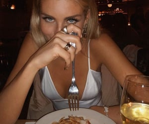 delicious, food, and girl image