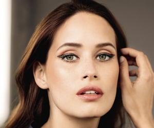 belleza, eye liner, and moda image