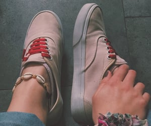 look, vans, and caracoles image