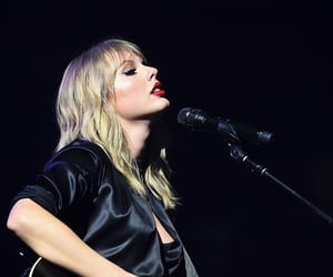 Taylor Swift, lover, and concert image
