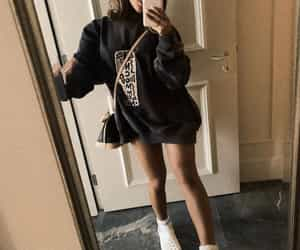 look, ariana, and instagramt image
