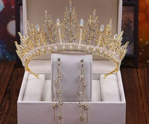 bridal jewelry, gold accessories, and wedding accessories image