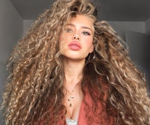 beauty, curly hair, and girl image