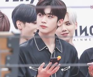 boy, kim yohan, and handsome image