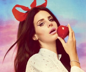 lana del rey and apple image