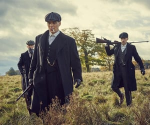 series and peaky blinders image