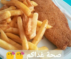 fish and chips, poisson pané, and فريت image